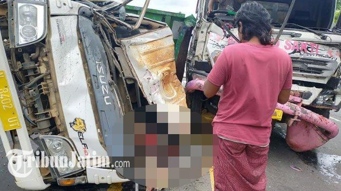 BREAKING NEWS - 2 Truk Adu Moncong di Jalan Pasuruan-Probolinggo, 1 Orang Tewas, Lalu Lintas Macet