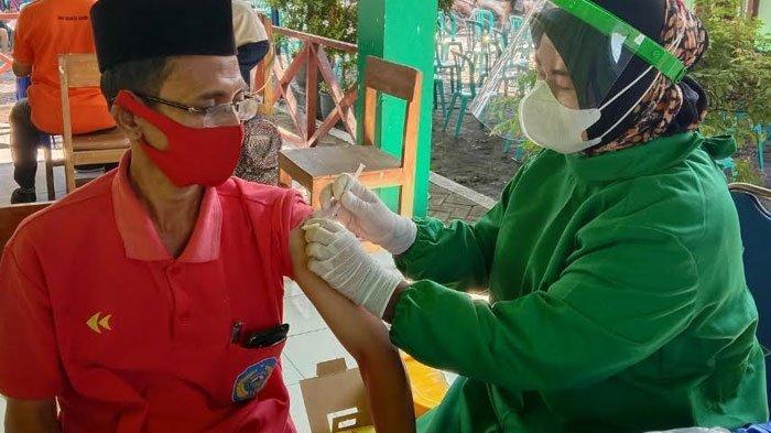 Upaya Percepatan Program Vaksinasi Covid-19 di Nganjuk, Tim Imunisasi Puskesmas Turun Ke Desa