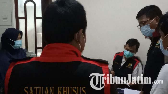 Kejari Geledah Kantor PT Intan Pariwara Cabang Kediri Terkait Kasus Dugaan Korupsi Buku SD