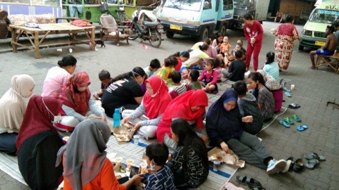Tingkatkan Kekompakan, Keluarga Anak Jalanan Gelar Halal Bihalal di Terminal Gubernur Suryo Gresik
