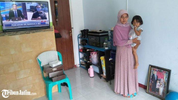 Tunggu Serda Eko Awak KRI Nanggala 402 Menginjakkan Kaki di Bangkalan, Istri: Semoga Sehat Wal Afiat