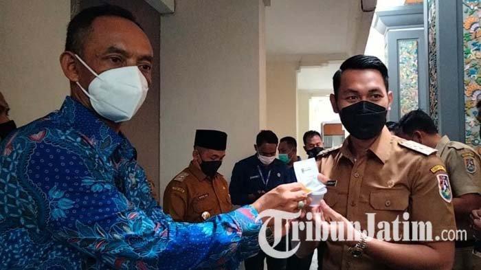 Bupati Lindra dan Wabup Riyadi Jalani Tes Urine BNN Kabupaten Tuban, Ini Hasilnya