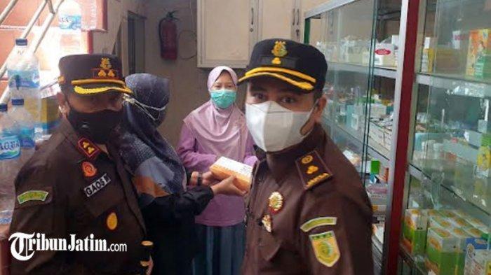 Pastikan Tak Ada Penimbunan Obat Covid-19, Kejari dan Dinkes Kabupaten Mojokerto Operasi Pasar