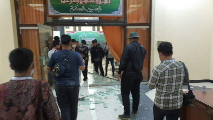 BREAKING NEWS: Polda Amankan 6 Orang Atas Kericuhan di Islamic Centre, Surabaya Dalam Kongres HMI
