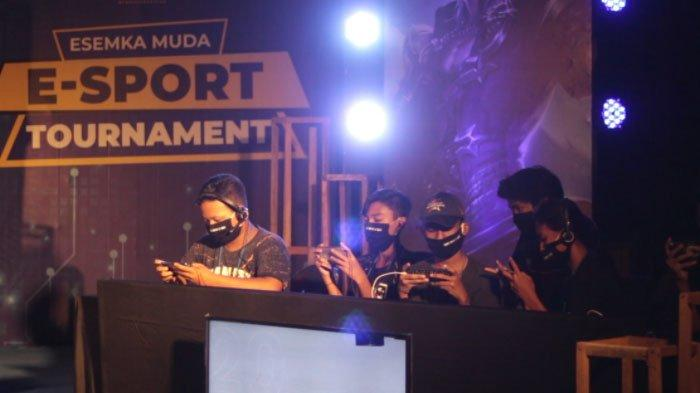 Tinjau Turnamen Esport Siswa SMK di Surabaya, ESI Jatim: Buktikan Main Game Bisa Dapat Prestasi