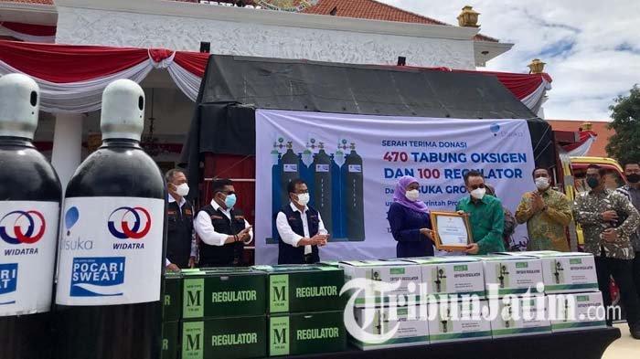 Terima Donasi Tabung Oksigen dan Regulator, Khofifah Apresiasi Kontribusi Industri Tangani Pandemi