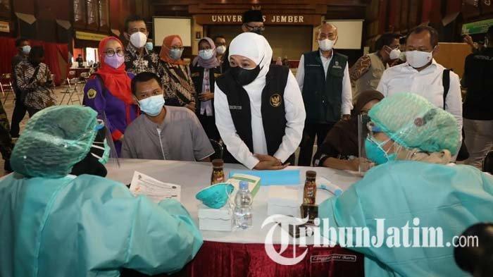 Gubernur Khofifah Apresiasi Percepatan Vaksinasi Covid-19 untuk Mahasiswa dan Civitas Unej Jember