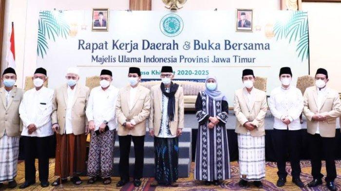 Rakerda MUI Jatim, Khofifah Ajak NU dan Muhammadiyah Ambil Peran dalam Peningkatan Ekonomi Digital