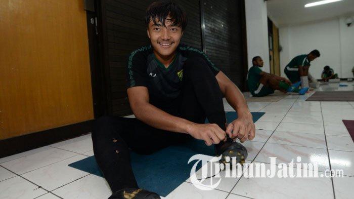 Jelang Piala Asia U-19 2020, Pelatih Kiper Persebaya Surabaya Ikut Pantau Kondisi Ernando Ari