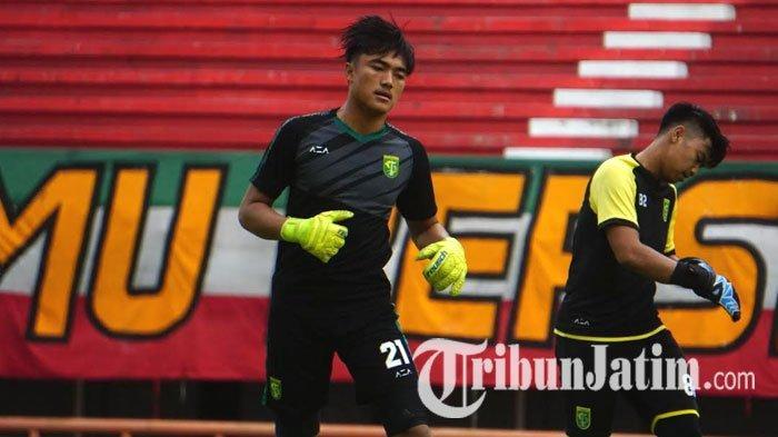 Kiper Muda Persebaya Ernando Ari Dapat Pesan Khusus dari Aji Santoso Jelang Hadapi Borneo FC