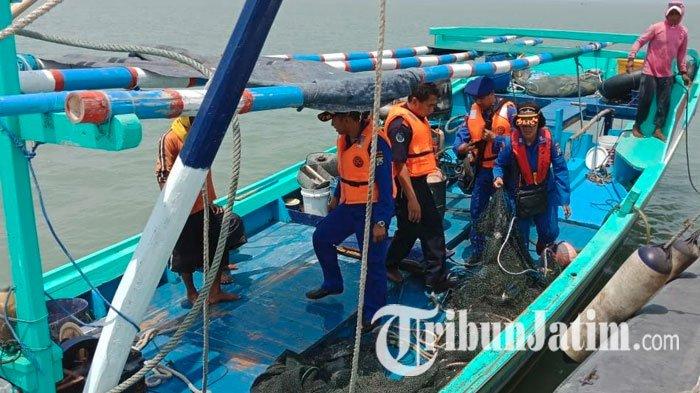 Gunakan Alat Terlarang, Kapal Nelayan di Pelabuhan Kamal Diamankan Satpolairud Polres Bangkalan