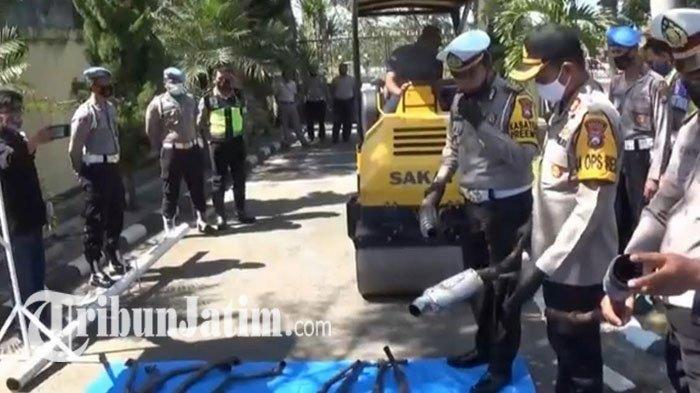 Hasil Sebulan Operasi Patuh Semeru 2020 di Magetan, Puluhan Knalpot Brong Dilindas Tandem Roller