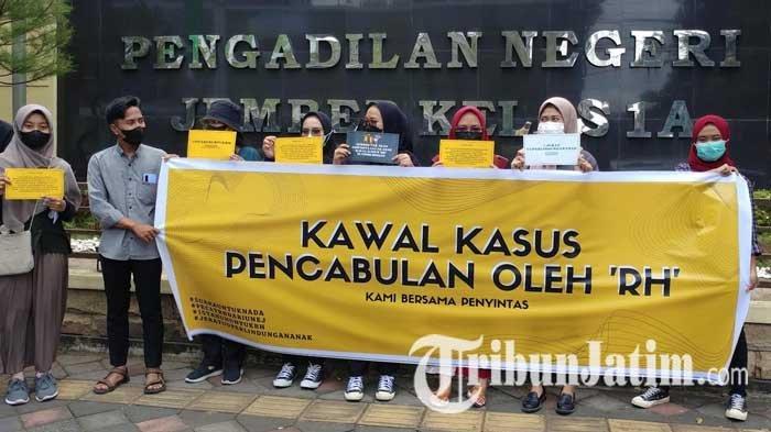 Sidang Kasus Dugaan Pencabulan Dosen Universitas Jember Diwarnai Aksi Sejumlah Aktivis