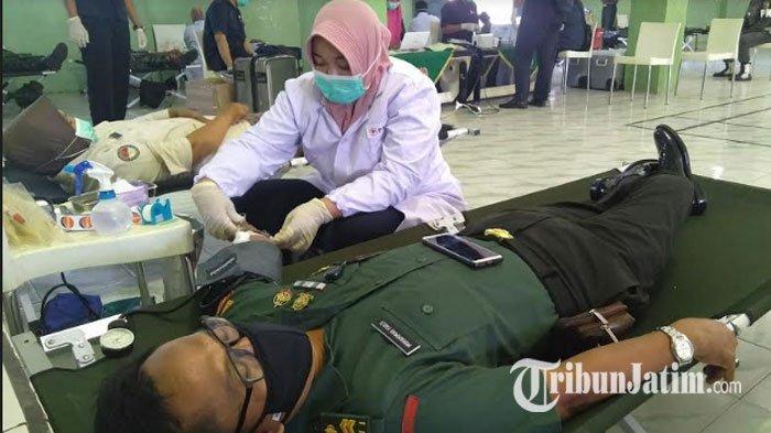 Persediaan Darah PMI Bangkalan Tipis Gegara Corona, Kodim 0829 Bangkalan Sumbang 150 Kantong Darah