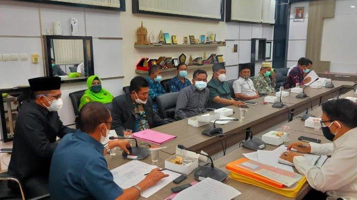 Soal Warga Singkirkan Beton Pembatas Jalan Manyar, DPRD Gresik Panggil Semua Pihak