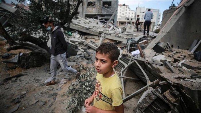 Kondisi di Gaza karena serangan Israel. Seorang ibu cerita kepasrahan dan ketakutannya.