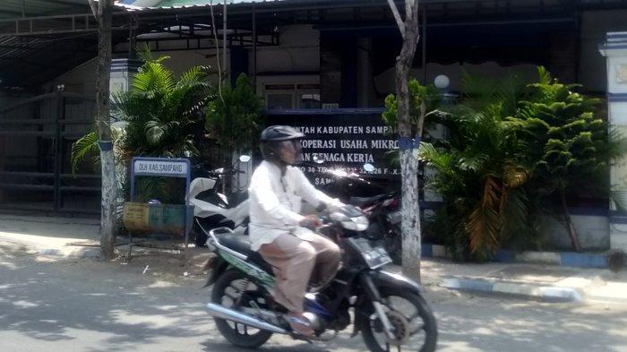 Lama Tidak Ditempati, Gedung Bekas Diskumnaker Sampang Memprihatinkan