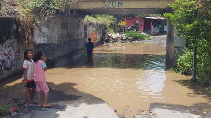 Jalan Penghubung Sidoarjo-Pasuruan via Viaduk Gempol Tergenang Air, Pemkab Diminta Segera Bertindak