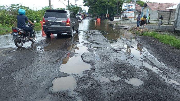 Begini Kondisi Kerusakan Jalan Raya Cerme Gresik Akibat Banjir Kali Lamong