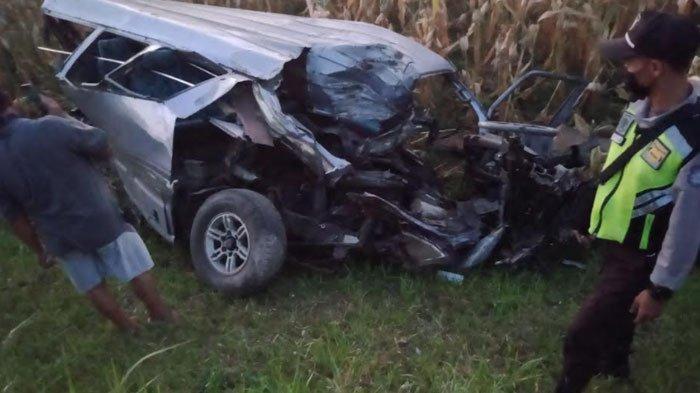 Tragis, Disambar KA Gajayana di Kediri, Mobil Terseret hingga Tewaskan Pengemudi