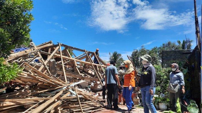 Banyak Identitas Hilang, Verifikasi Rumah Rusak di Lumajang SedikitTerhambat