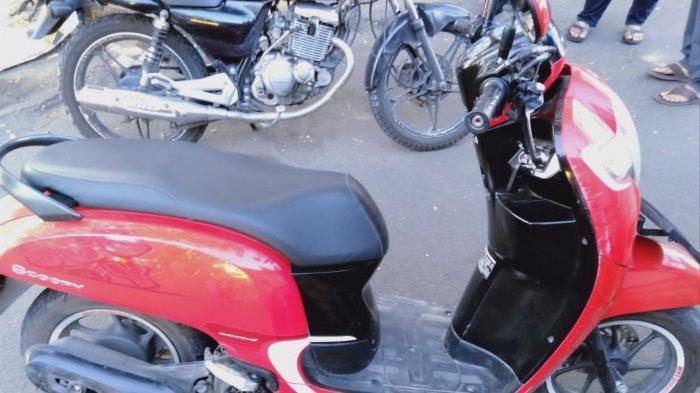 Motor Oleng, Pelajar Tewas Tabrak Tiang Reklame di Depan Stadion Supriyadi Kota Blitar