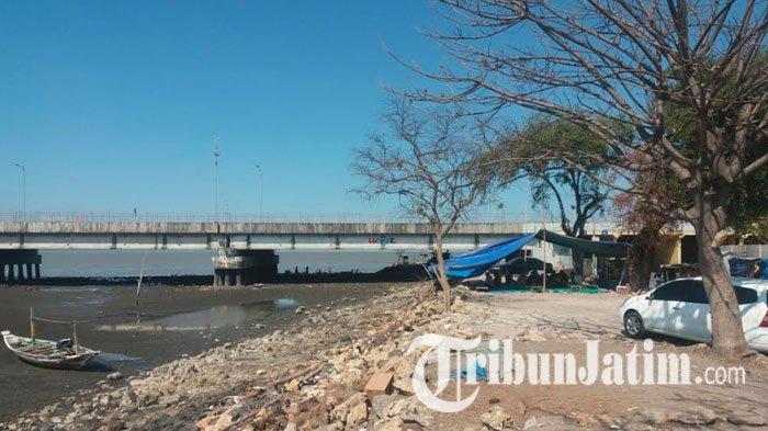 Takut Dihadang Warga, Pencuri Motor Ceburkan Diri ke Laut di Bawah Jembatan Suramadu
