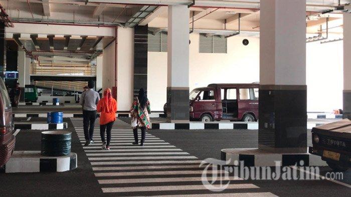 Kalah Eksis, Sopir Angkot Terminal Joyoboyo Pilih Bertahan