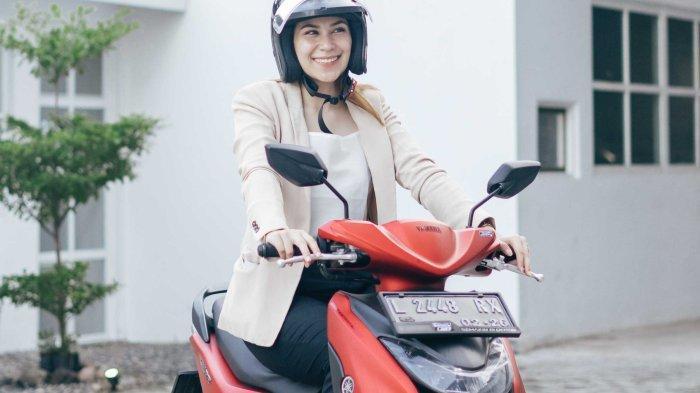 Korban Lakalantas Bagi Kaum Hawa Tinggi, Begini Naik Motor Yang Aman & Nyaman Untuk Perempuan