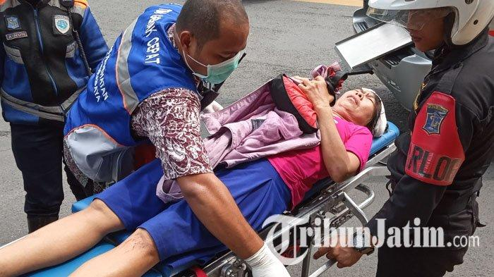 Tabrakan Motor di Perempatan Jl Kusuma Bangsa Surabaya, Pelaku Bantu Korban Yang Luka, Lalu Kabur