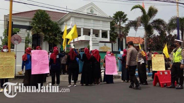 KOPRI Geruduk Kejari Sampang, Tuntut Jalankan Hukuman Kebiri Terhadap Pelaku Kekerasan Seksual