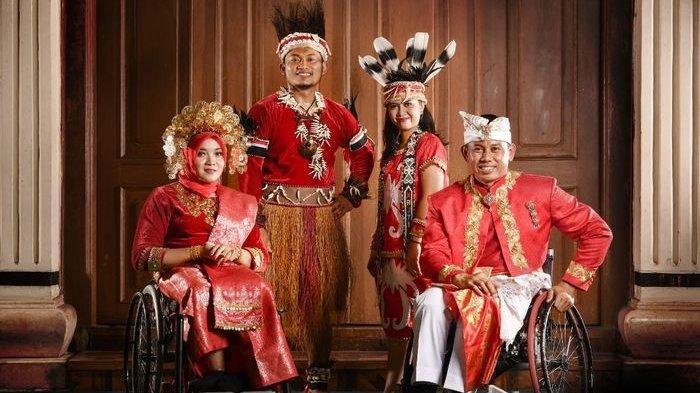 Opening Ceremony Paralimpiade Tokyo 2020 - Kontingen Indonesia Mempesona Berkat Baju Adat Daerah