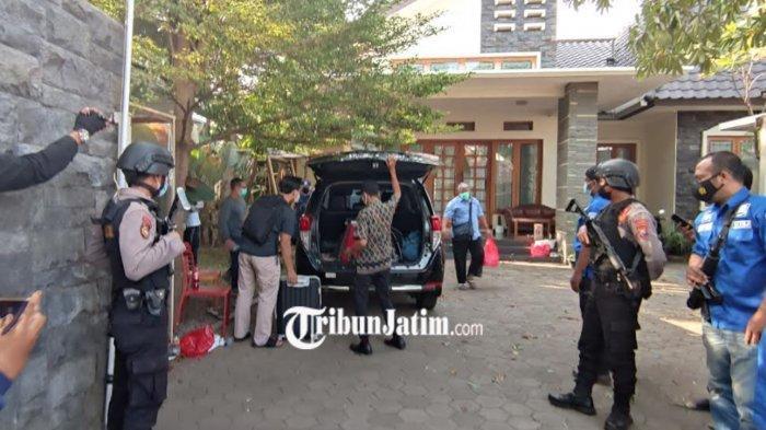 Penyidik KPK Geledah Rumah Zulmi, Putra Hasan Aminuddin