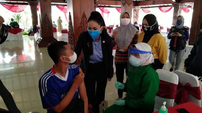Dewanti Minta Tolong ke Krisdayanti agar Cakupan Vaksinasi Malang Raya Merata