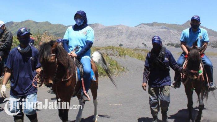 Kunjungi Gunung Bromo, Kemenparekraf: Dua Tahun ke Depan Pariwisata Indonesia Pulih