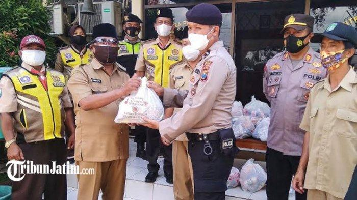 Pramuka Peduli, Kwartir Ranting Purwodadi Beri Kejutan untuk Garda Terdepan Penanganan Covid-19