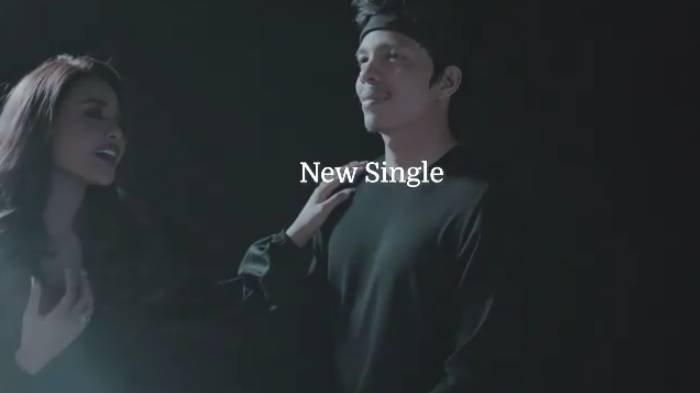 Chord Gitar & Lirik 'Cinta Seperti Aku' Aurelie Hermansyah: Lama Kita Mencinta dengan Jalan Bahagia