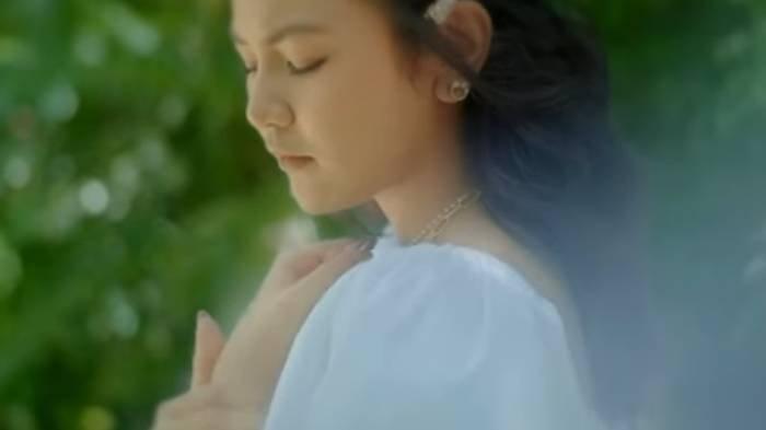 Lirik Lagu 'Melawan Restu' Mahalini, Ada Chord Gitar: Mungkinkah Aku Meminta, Kisah Kita Selamanya