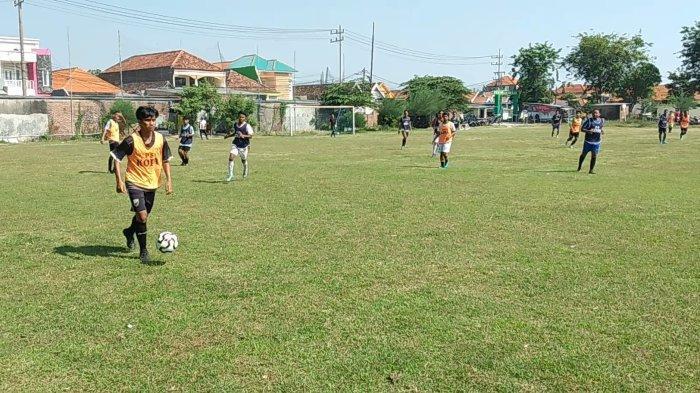 Latihan perdana, PS KOPA, Lapangan Kendung, Kecamatan Benowo, Kota Surabaya, Selasa pagi (28/9/2021).