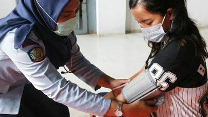 Deteksi Dini Kesehatan Warga Binaan, Tim Medis Rutan Perempuan Surabaya Berikan Layanan Jemput Bola
