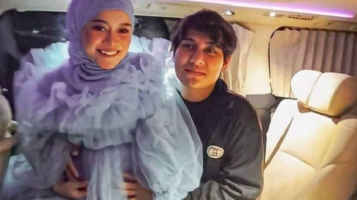 Lesty Kejora, istri dari Rizky Billar mengungkap prediksi waktu melahirkannya akan terjadi pada bulan ini.