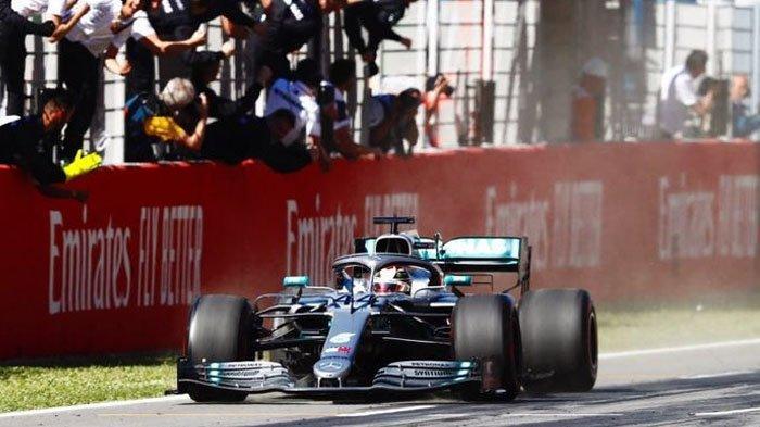 Mobil Lewis Hamilton Tiba-tiba Mogok saat Tes Pramusim F1 2020 di Spanyol, Mercedes Frustrasi