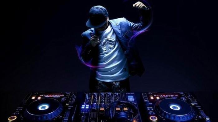 Download Lagu MP3 'Umbrella' Ember Island, DJ Remix TikTok Terbaru 2021, Dilengkapi Lirik Terjemahan