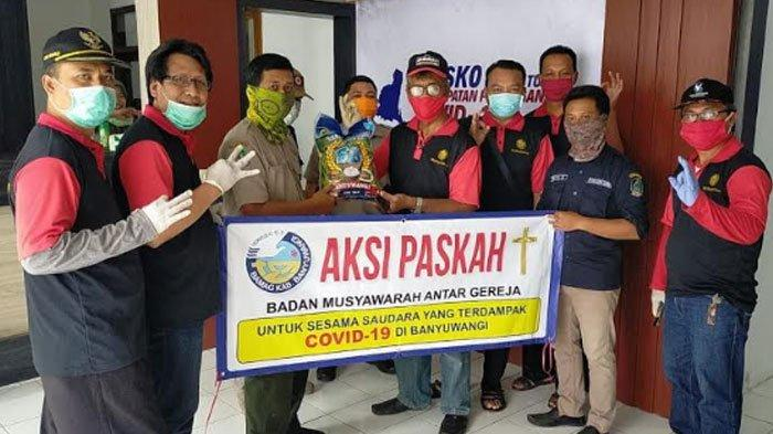 Solidaritas Lintas Agama di Banyuwangi, Turun Bagi Ribuan Kilo Sembako untuk Warga Terdampak Corona