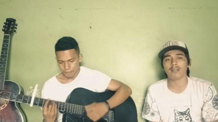 Lirik dan Terjemahan Bahasa Indonesia Lagu Gassa De, Kisahkan Kerinduan Pada Ayah Ibu: Sakit Sekali