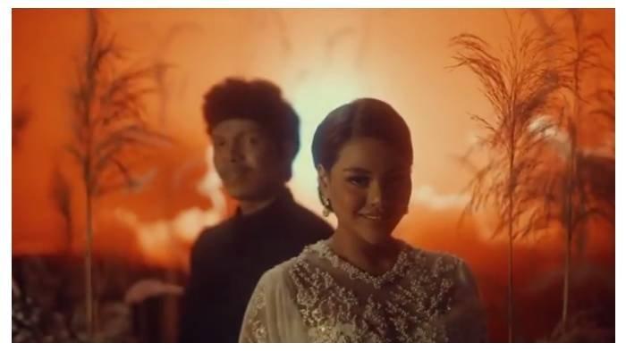 Lirik Lagu 'Hari Bahagia' Atta Halilintar & Aurel Hermansyah, Kado Rahasia, Dirombak Jadi Lagu Duet