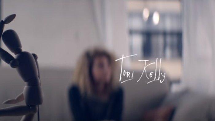 Lirik Lagu Romantis Galau 'Dear No One' Tori Kelly, 'Sometimes I Just Want Somebody To Hold'