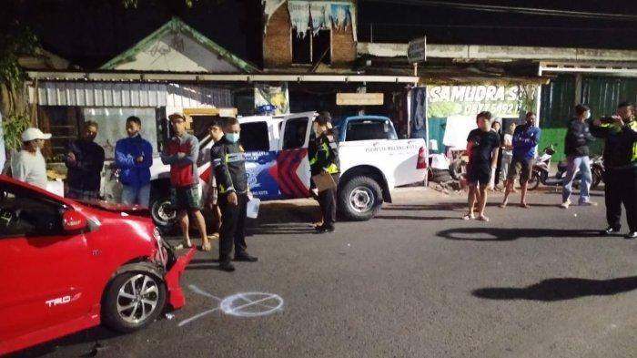 Diduga Hilang Konsentrasi Saat Berkendara, Pengendara Honda CB Tabrak Mobil Toyota Agya di Malang