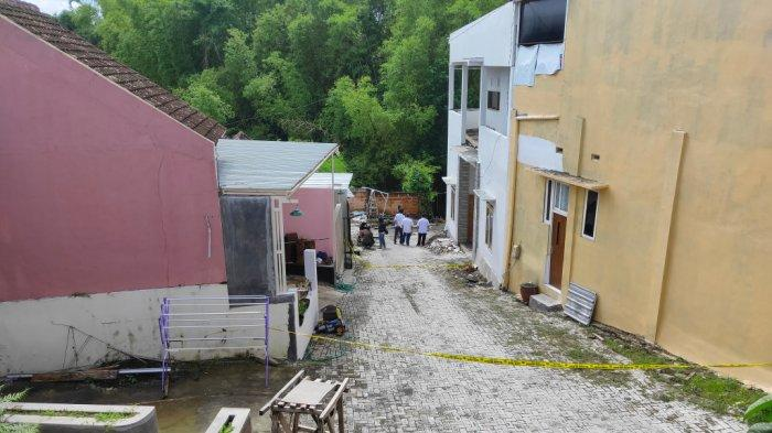 Tetangga Korban Sempat Rasakan Getaran Tanah di Rumah Roland Sumarno saat Akan Menolong