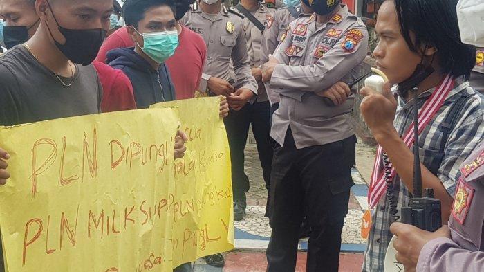Protes Soal Listrik Kepulauan, Mahasiswa Demo DPRD Sumenep